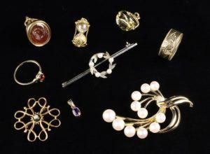 Lot 2 | Bijouterie & Cabinet Sale | Wilkinsons Auctioneers Doncaster