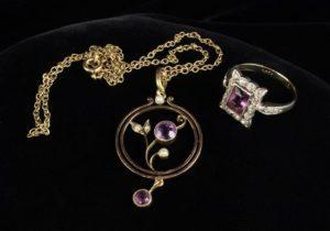 Lot 26 | Bijouterie & Cabinet Sale | Wilkinsons Auctioneers Doncaster