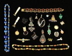 Lot 28 | Bijouterie & Cabinet Sale | Wilkinsons Auctioneers Doncaster