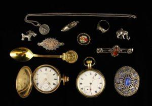 Lot 29 | Bijouterie & Cabinet Sale | Wilkinsons Auctioneers Doncaster