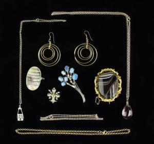 Lot 31 | Bijouterie & Cabinet Sale | Wilkinsons Auctioneers Doncaster