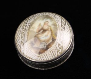 Lot 42 | Bijouterie & Cabinet Sale | Wilkinsons Auctioneers Doncaster