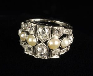 Lot 68 | Bijouterie & Cabinet Sale | Wilkinsons Auctioneers Doncaster