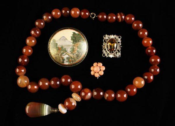 Lot 7 | Bijouterie & Cabinet Sale | Wilkinsons Auctioneers Doncaster
