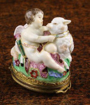 Lot 91 | Bijouterie & Cabinet Sale | Wilkinsons Auctioneers Doncaster