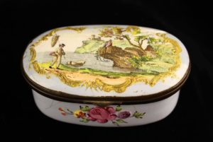 Lot 92   Bijouterie & Cabinet Sale   Wilkinsons Auctioneers Doncaster