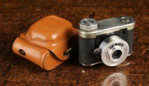 Lot 125 | Antique Cameras & Vintage Trains Sale | Wilkinsons Auctioneers Doncaster