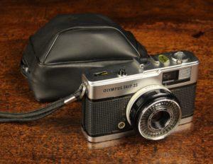 Lot 171   Antique Cameras & Vintage Trains Sale   Wilkinsons Auctioneers Doncaster